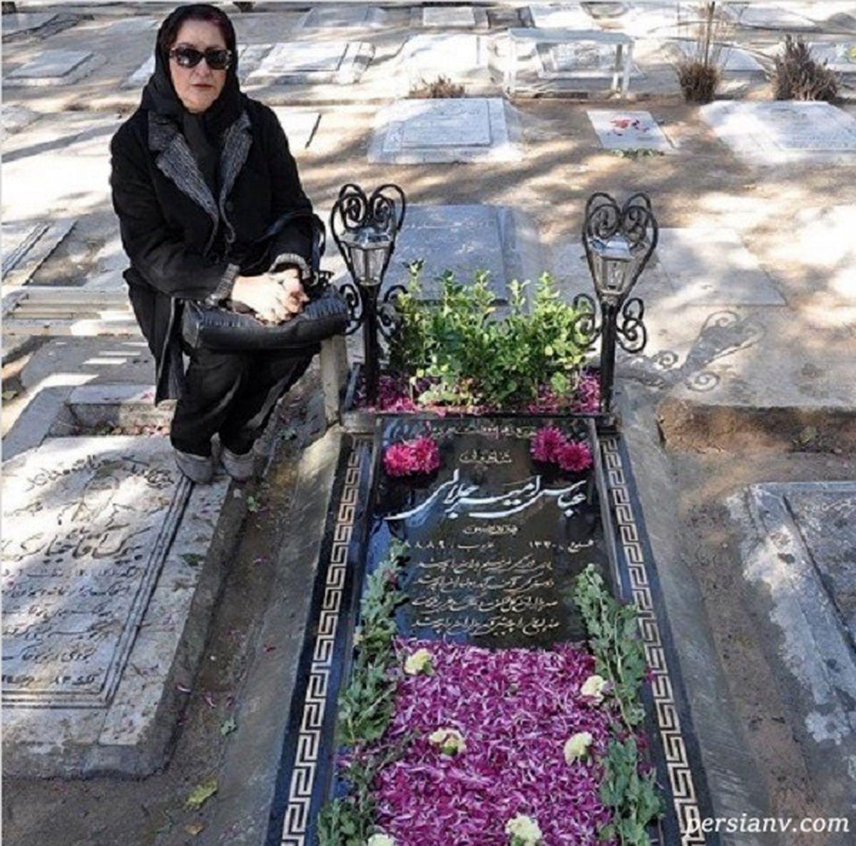 مریم امیرجلالی کنار مزار برادرش +عکس