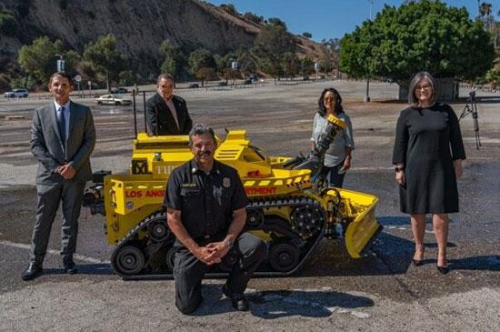 اولین ربات آتشنشان به کار گرفته شد+عکس