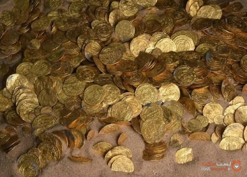کشف گنجینه سکه طلای ۱۰۰۰ ساله توسط دو نوجوان +تصاویر