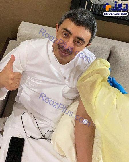 وزیر خارجه امارات واکسن کرونا زد+عکس