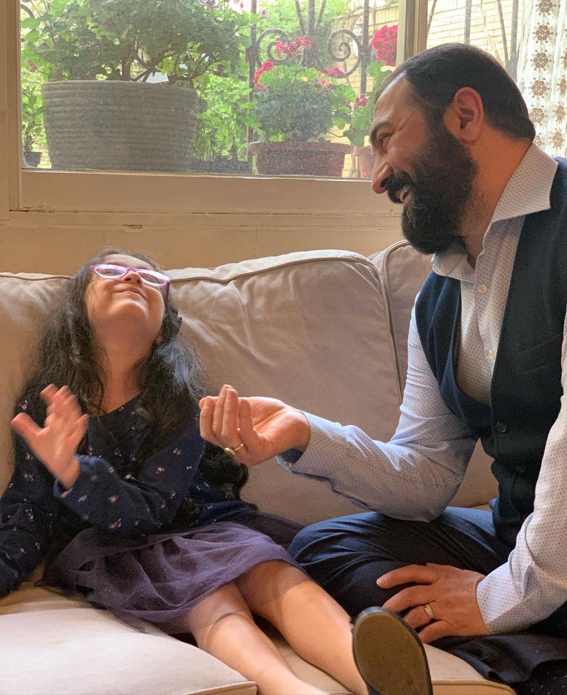 مجید صالحی در کنار دخترش حنا+عکس