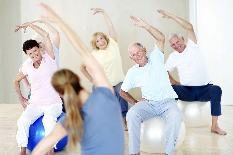 در دوران سالمندی ورزش کنید