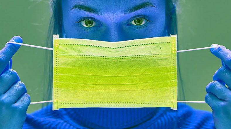 چطور به آدمهایی که استرس ناشی از ماسک زدن پیدا میکنند، کمک کنیم؟