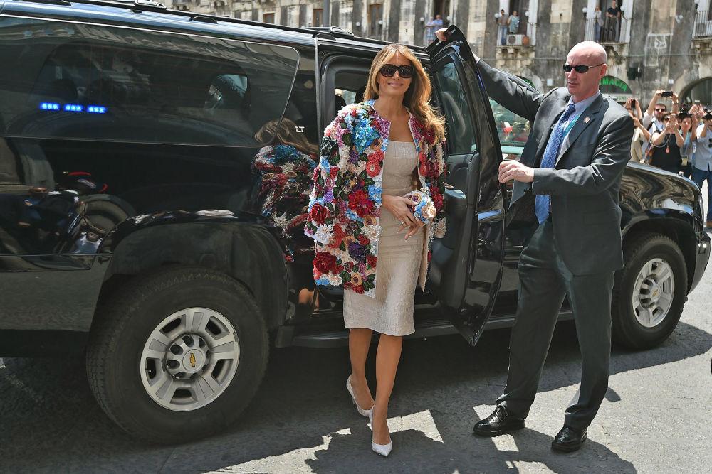جنجالی ترین لباسهای ملانیا ترامپ در نقش بانوی اول