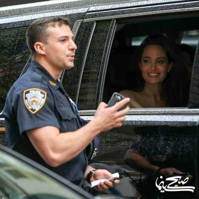 سلفی مأمور پلیس با آنجلینا جولی در ترافیک