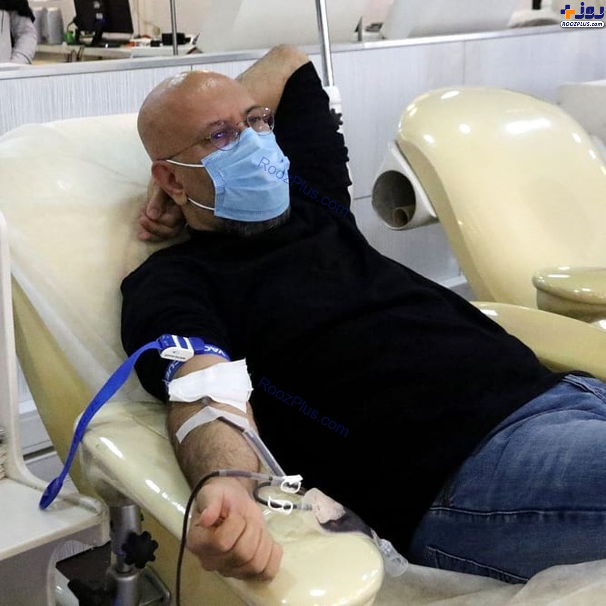 بازیگر معروف در حال اهدای خون+عکس