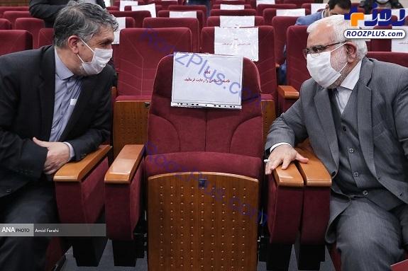 فاصله گذاری اجتماعی بین وزیر و رئیس+عکس
