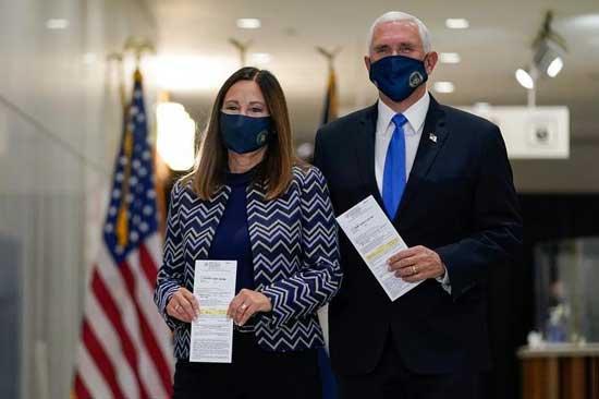معاون ترامپ و همسرش در حال رای دادن +عکس
