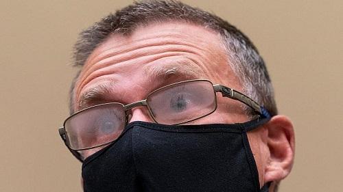 چه کنیم شیشه عینک هنگام ماسک زدن بخار نکند