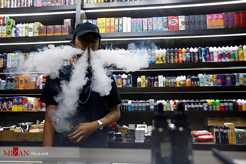 اقدام عجیب فروشنده دخانیات+عکس