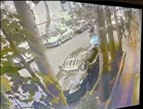 لحظه حمله سارقان به علی دایی در نزدیکی محل کارش