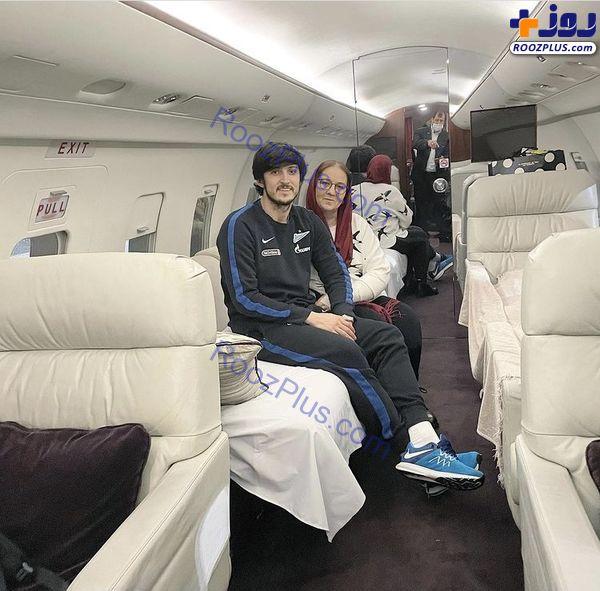 سردار آزمون و مادرش در هواپیمای شخصی اش + عکس
