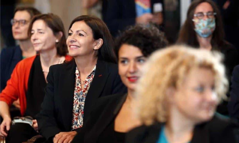 شهردار پاریس بابت استخدام زنان جریمه شد!