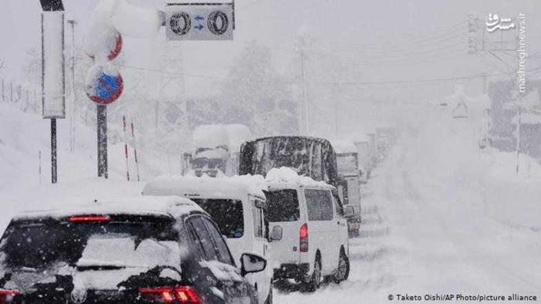 تصاویری از بارش شدید برف در ژاپن