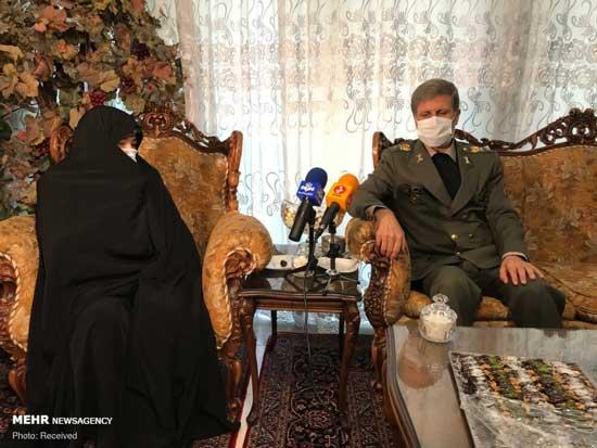 تصاویر جدید از وزیر دفاع در منزل شهید فخریزاده