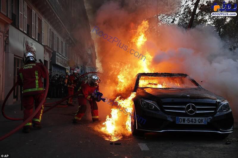آتش زدن خودروی لاکچری در تظاهرات+عکس