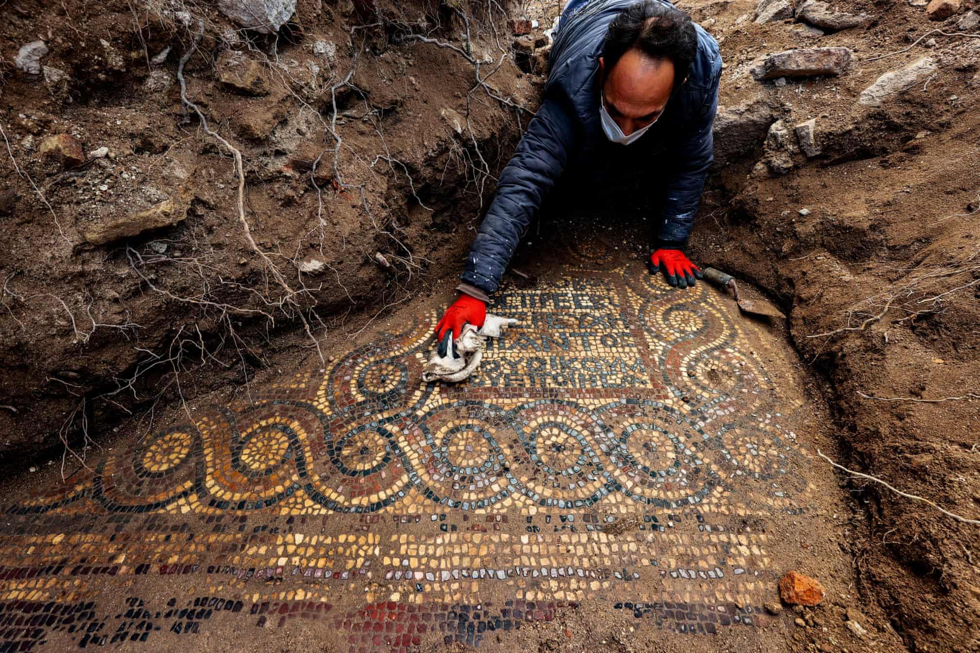 کشف موزاییکی ۱۵۰۰ ساله در «ازمیر» ترکیه + عکس