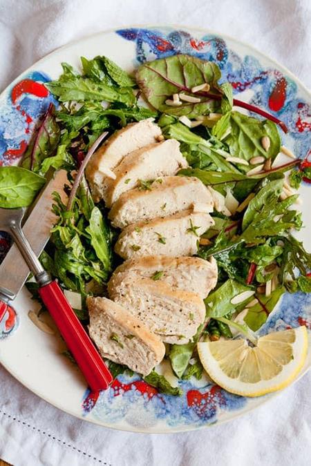 طرز پخت سینه مرغ رژیمی؛ سریع و ساده