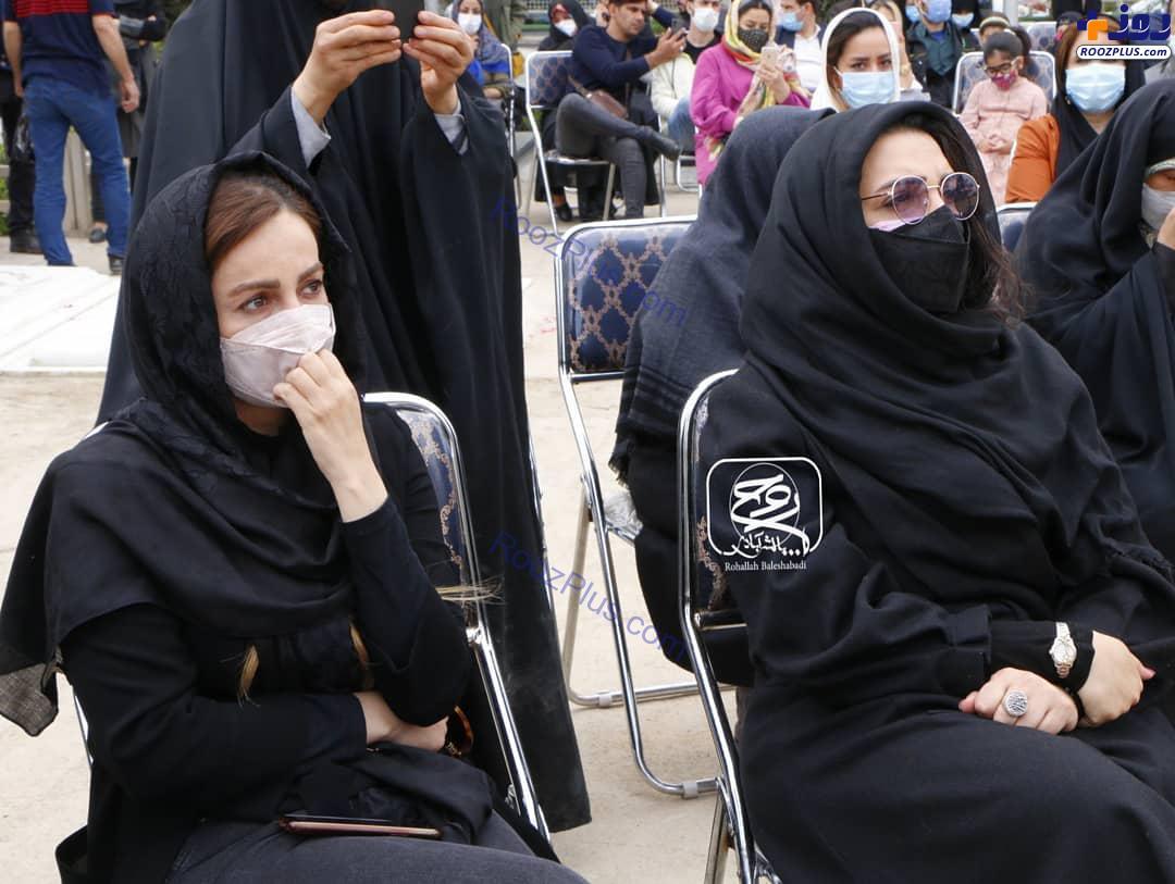 شقایق دهقان و الهام پاوه نژاد در مراسم یادبود آزاده نامداری+عکس