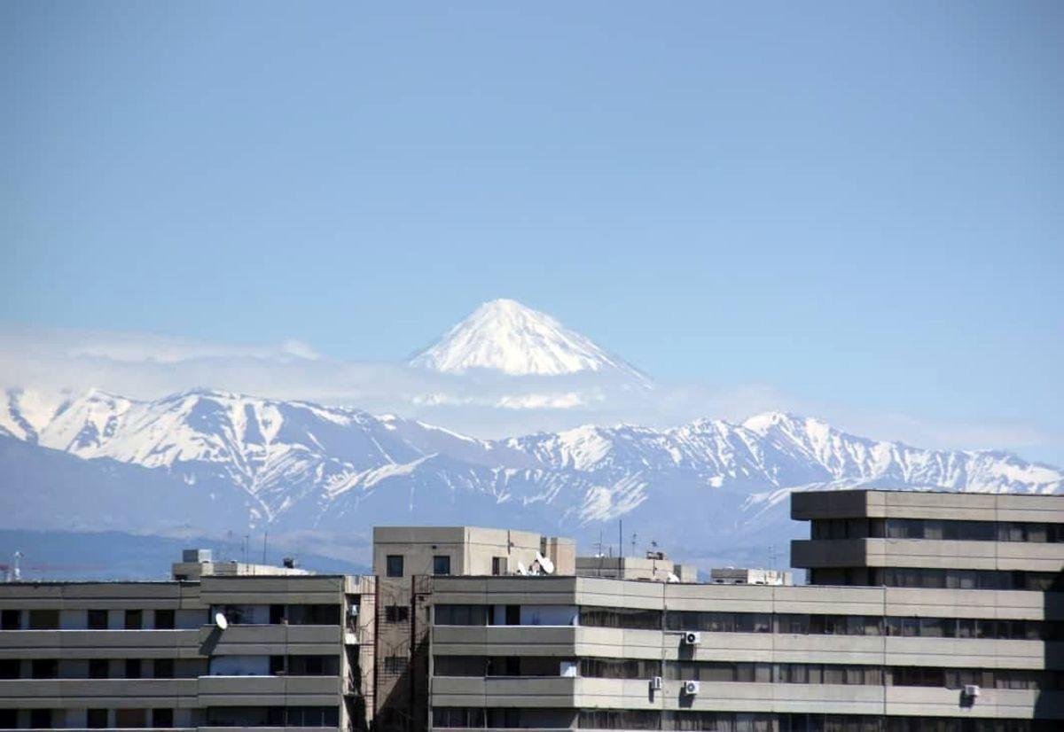 تصویری از قله دماوند در هوای پاک نوروزی