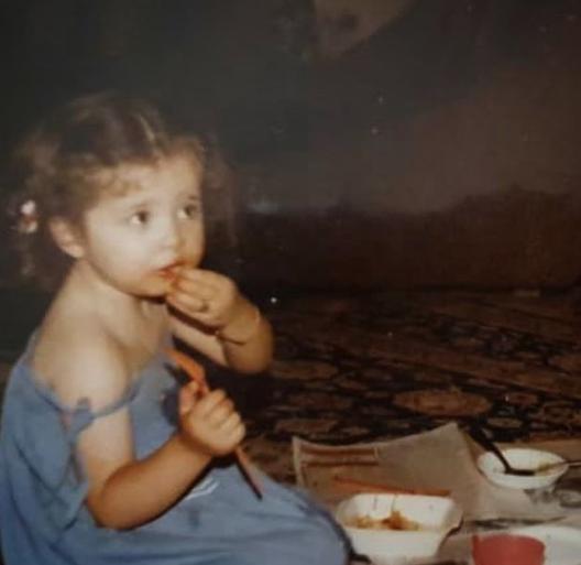 عکسی از دوران کودکی مهراوه شریفی نیا