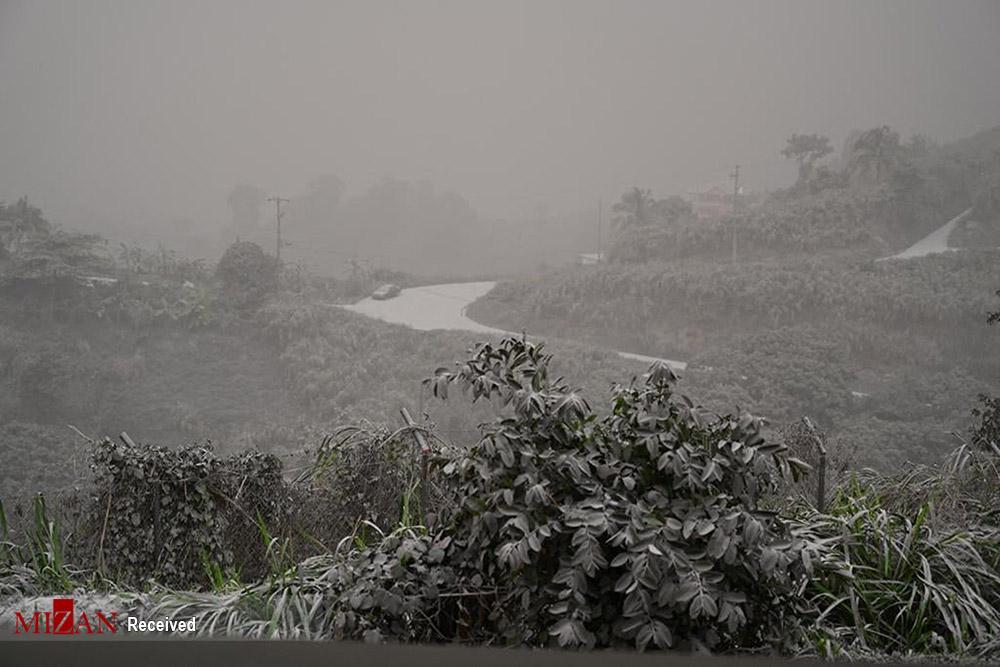 بارش خاکستر در کارائیب + عکس