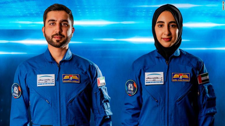 امارات متحده عربی اولین بانوی فضانورد خود را معرفی کرد + عکس