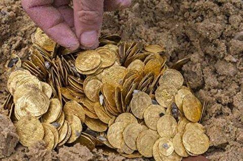 جنون آنی مرد هندی بعد از کشف ظرفی پر از طلا