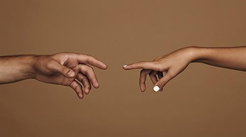 لمس کردن، لمس شدن؛ راهی برای زنده ماندن