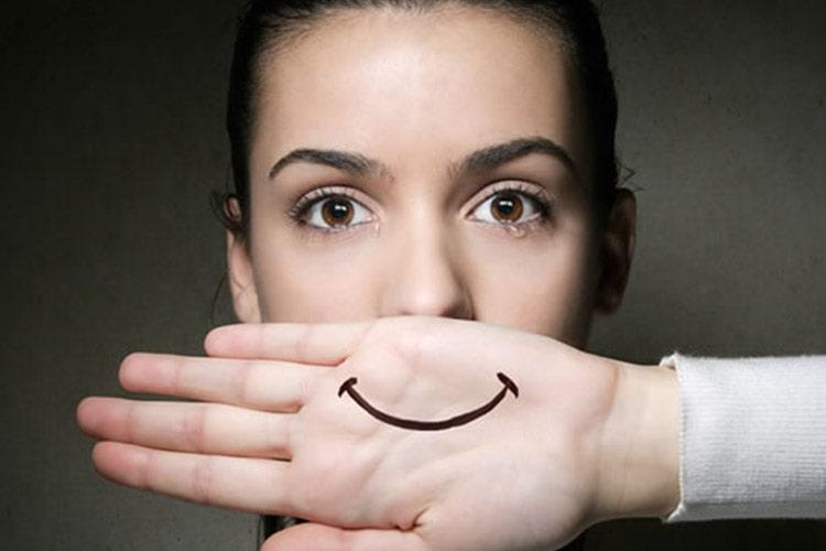 افسردگی خندان چیست؟/ علائم و راه درمان آن