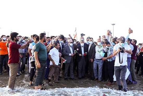 میتینگ سیاسی احمدینژاد، لب ساحل
