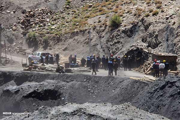 تداوم بیخبری از دو معدنچی محبوس در طزره