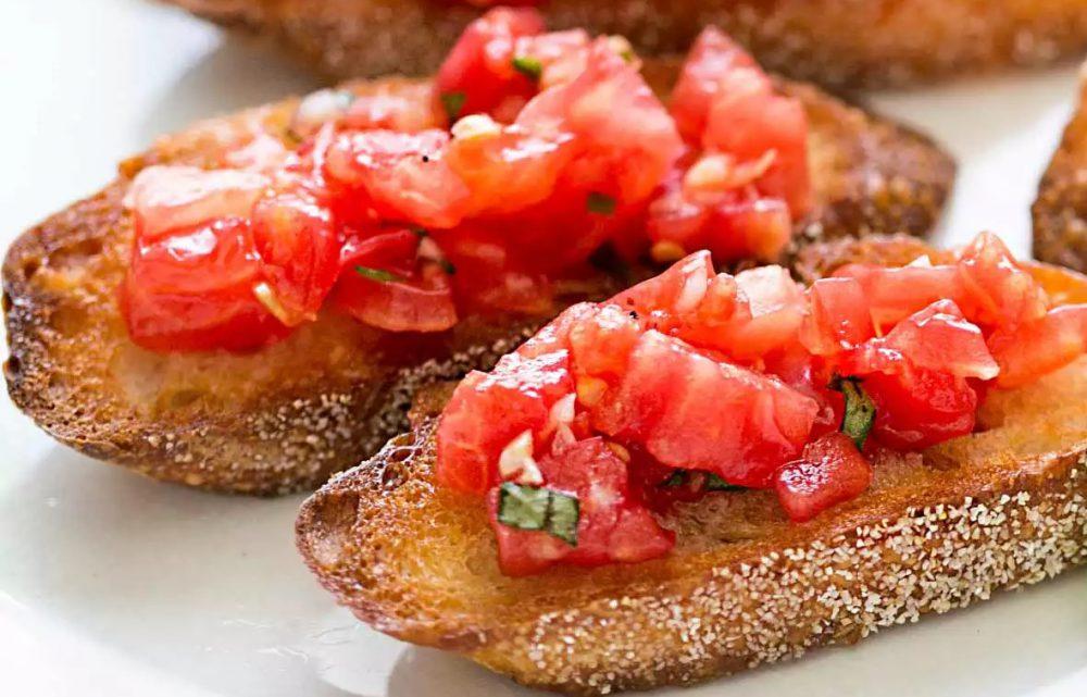 نان بروسکتا چیست ؟ گوجه فرنگی و ریحان روی تکه های نان !