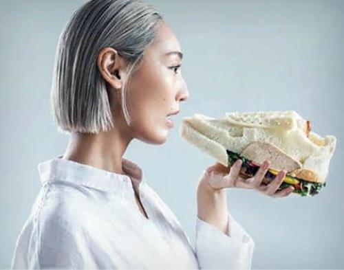 نان تست، بوم نقاشی زن سرشناس ژاپنی!
