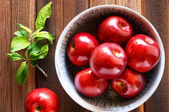یک افسانه درباره خوردن سیب