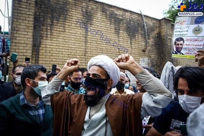 عکس وایرال شده و عجیب از تجمع هواداران احمدی نژاد