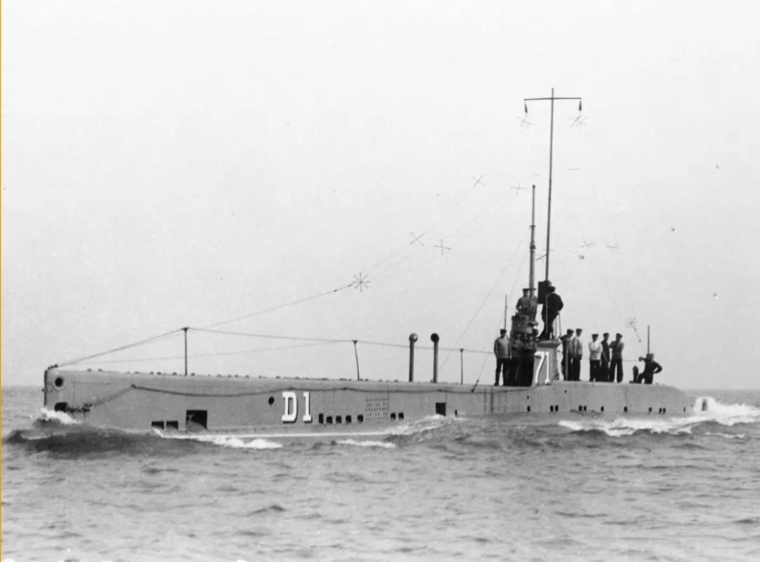 کشف اولین زیردریایی مدرن جهان در اعماق کانال انگلیس + تصاویر