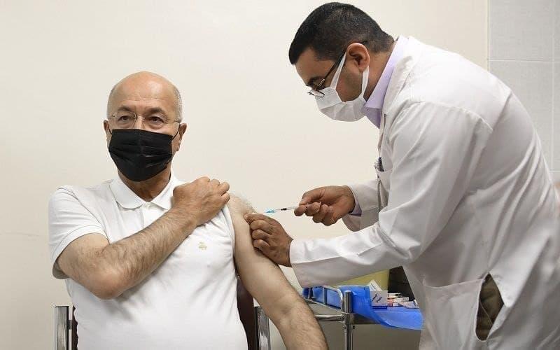 رئیسجمهوری عراق واکسن کرونا دریافت کرد + عکس