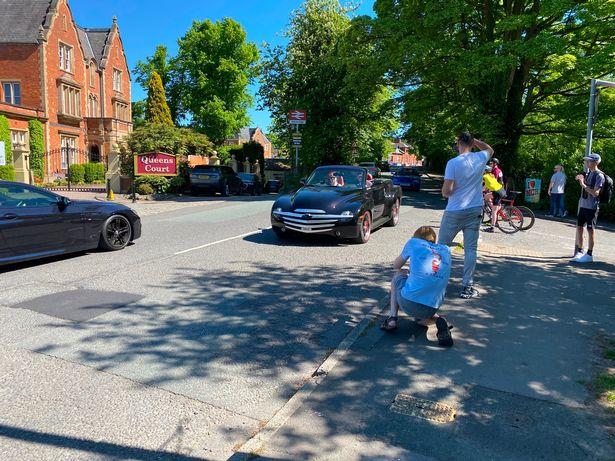 روستایی در انگلستان که پاتوق عاشقان ماشین ها شده است + عکس