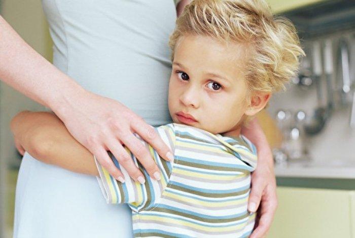 عواقب وابستگی فرزندان به والدین؛ چطور پیشگیری کنم؟