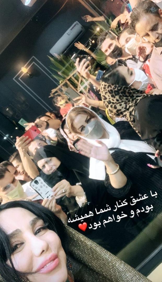 تجمع طرفداران بهنوش بختیاری در روزهای کرونایی+ عکس