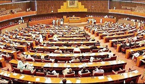 درگیری و کتککاری در ساختمان پارلمان!