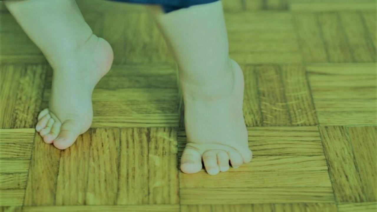راه رفتن کودکان روی انگشتان پا نشانه این بیماری خطرناک است