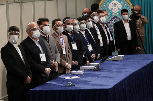 عکس خاص از اعضای اجرایی صندوق سیار ۱۱۰