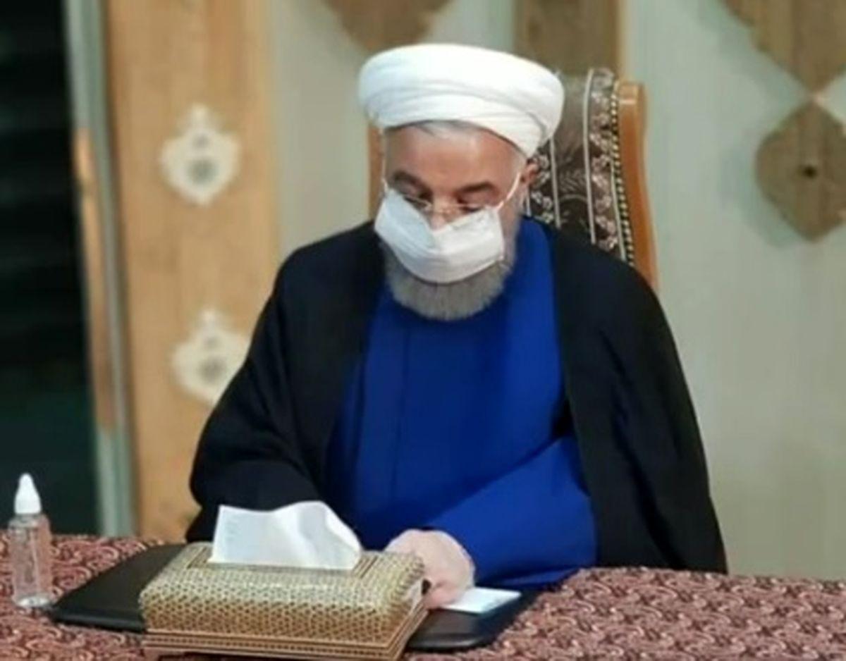 راهکار جالب روحانی برای لو نرفتن رای اش + عکس