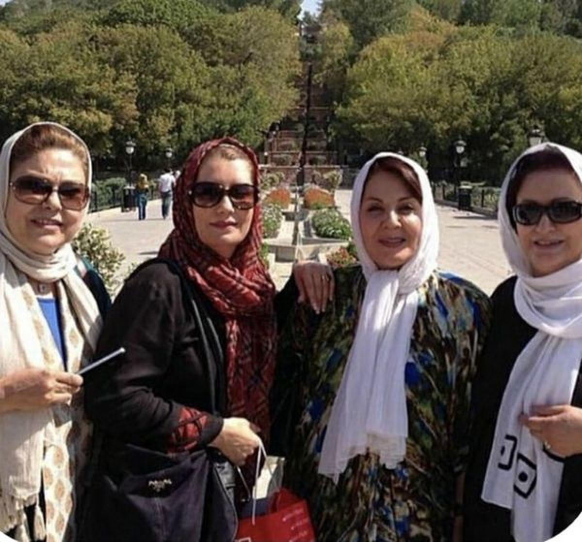 دورهمی بازیگران زن ایرانی در پارک +عکس