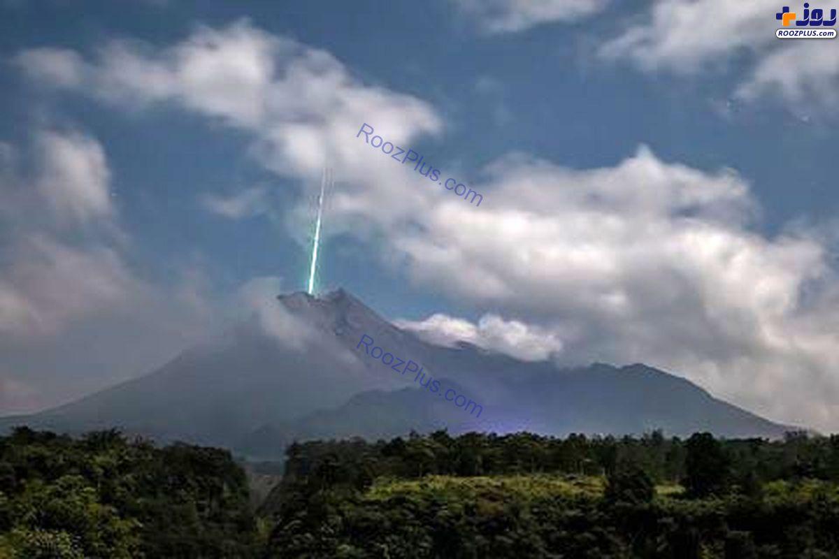 کوهی که پایگاه مخفی موجودات بیگانه است +عکس
