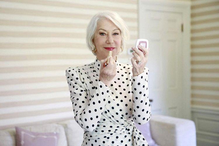 نظر جالب بازیگر ۷۵ ساله در مورد آرایش و زیبایی