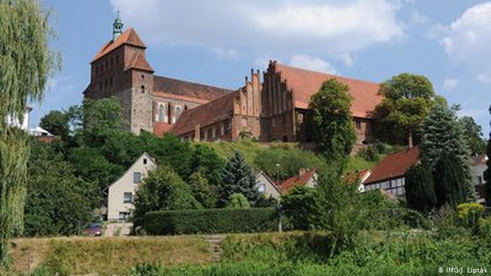 سفری به قرون وسطی در جادهای افسانهای در آلمان