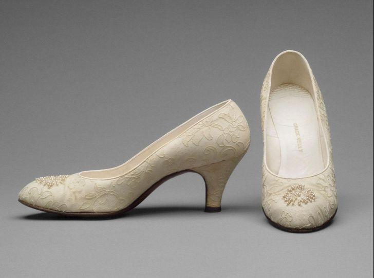رازی که اسکن کفش های عروسی گریس کلی برملا کرد
